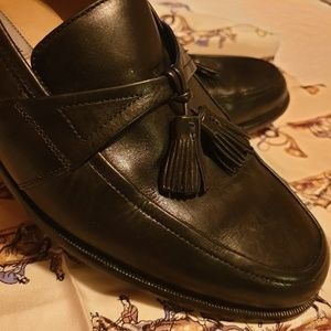 JOHNSTON AND MURPHY MENS LOAFERS